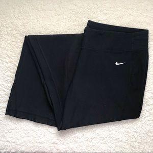 Nike Cropped Boot Cut Black Leggings Size Large